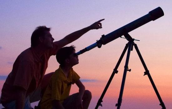 Любители космоса наблюдали за Марсом и Луной в Анкаре