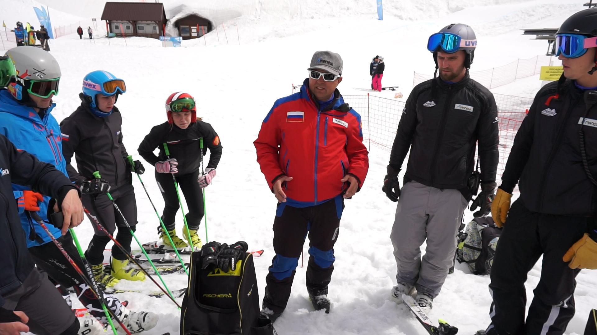 Паралимпийские горнолыжники готовятся кЗимним играм-2022 накурорте «Горки Город»